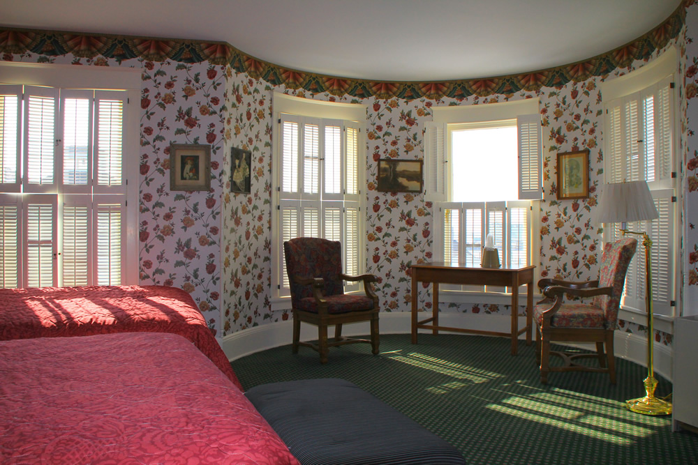 Victorian Front View Room